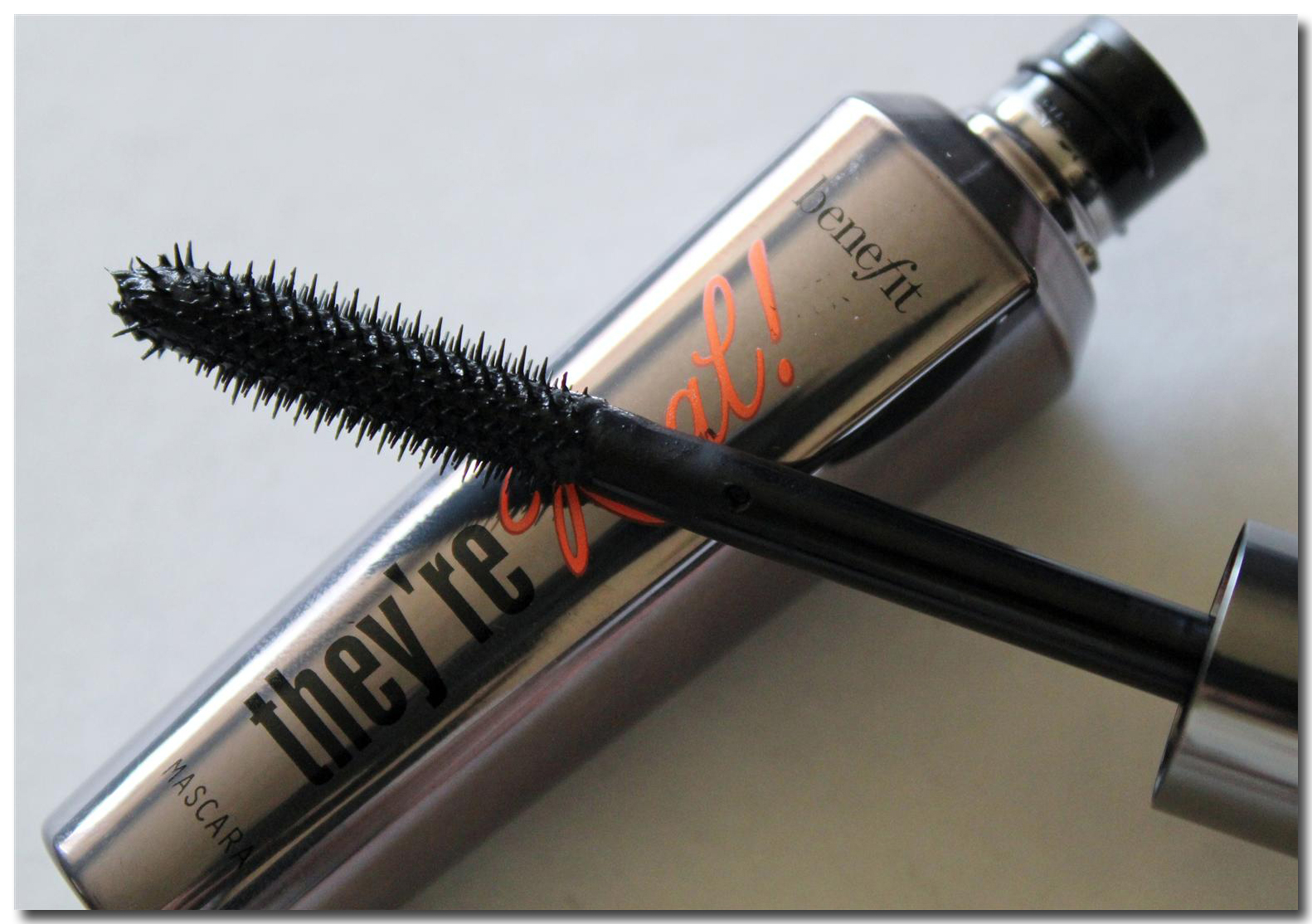 Review of Benefit Cosmetics They'Re Real! Mascara