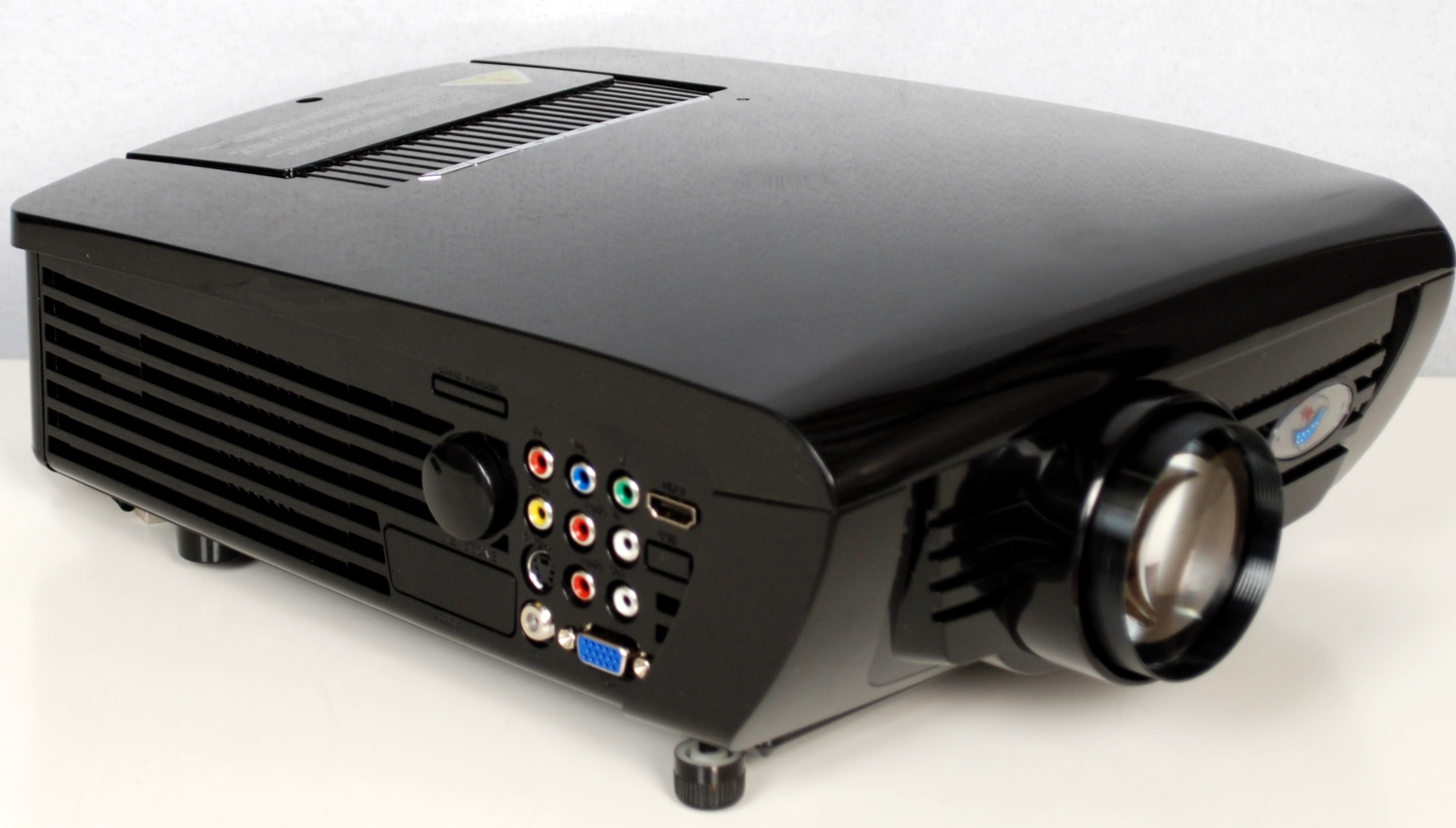 Review of Digital Galaxy DG-737 Dream Land HDMI LCD Projector