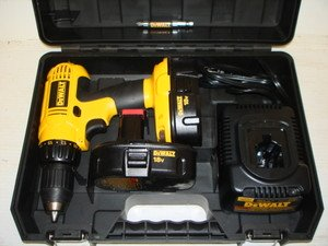 Review of DEWALT DC970K-2 18-Volt 1/2 in. Compact Drill/Driver Kit